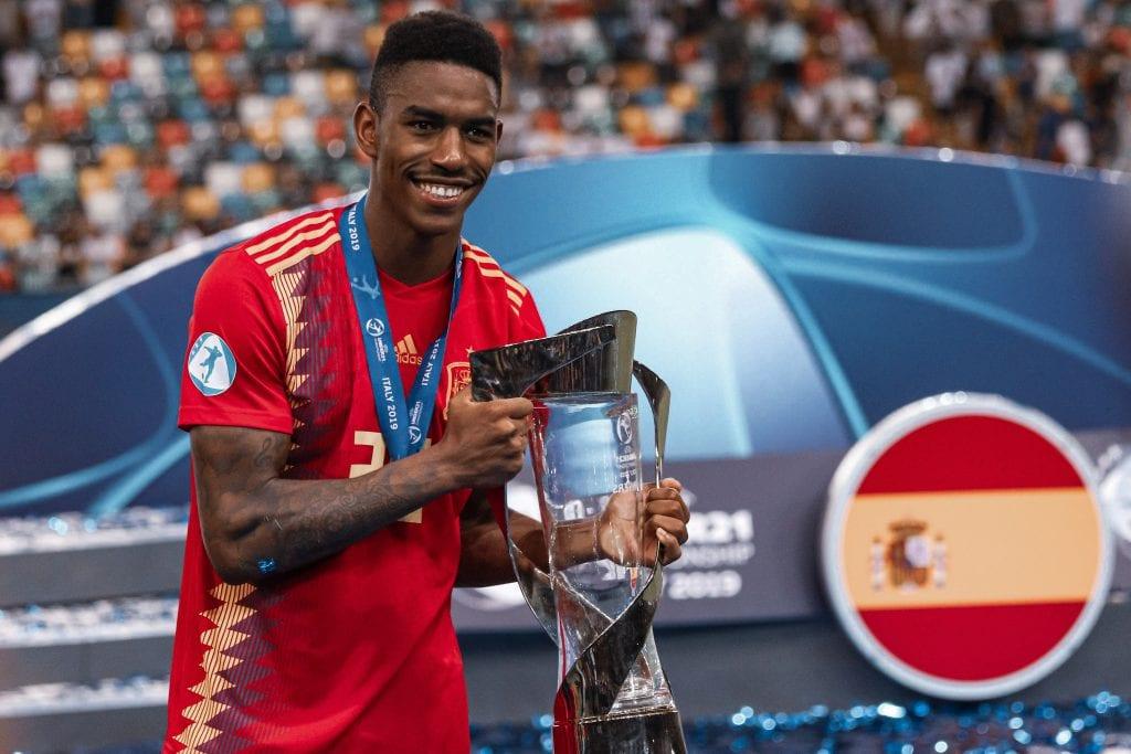 Junior Firpo Spain Barcelona transfer
