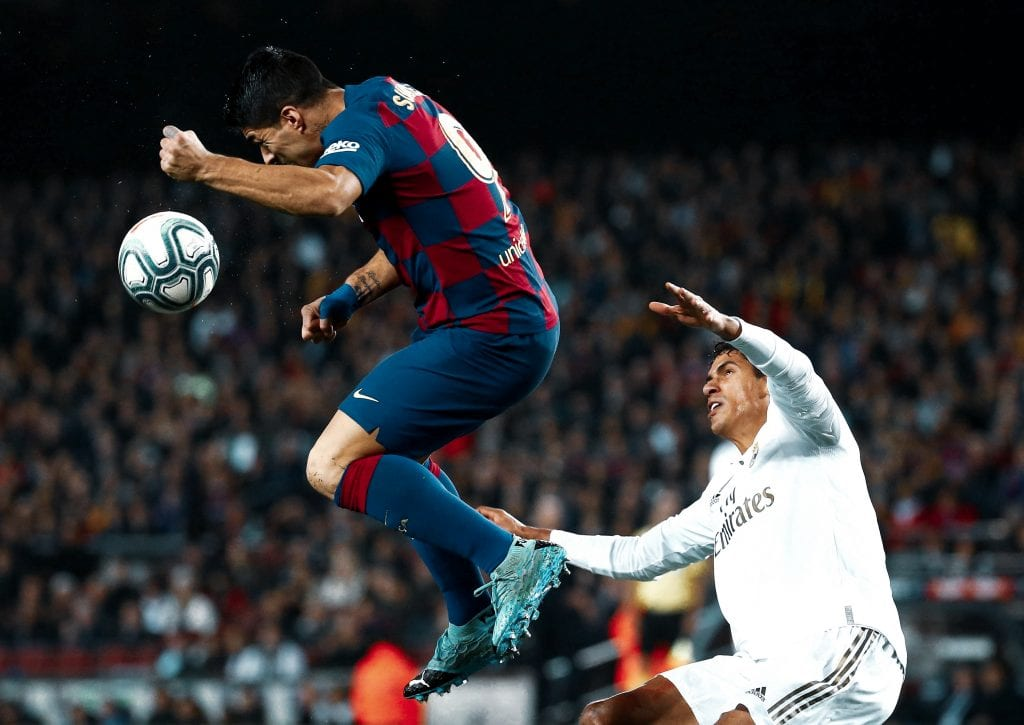 Luis Suárez Raphaël Varane Barça Real Madrid advantage La Liga