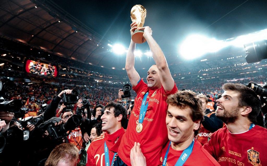 Andrés Iniesta Gerard Piqué Fernando Llorente Javi Martínez Spain 2010 World Cup maestro