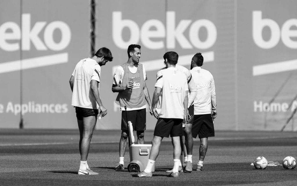 Sergio Busquets Gerard Piqué Arturo Vidal Sergi Roberto Ronald Araújo Barcelona Quique Setién objectives