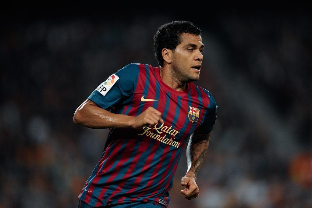 Dani Alves Barcelona full-backs analysis