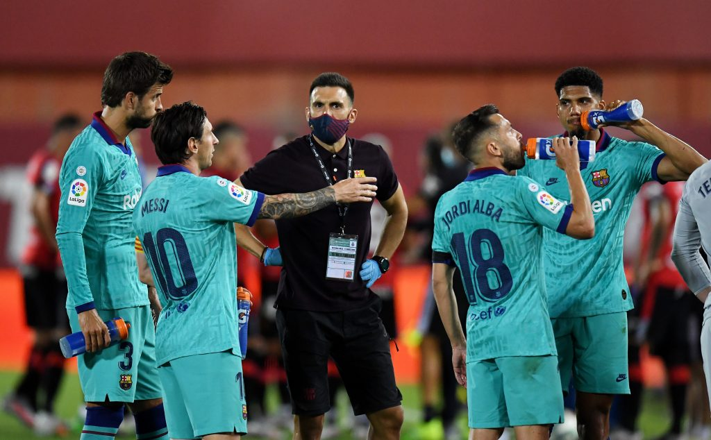 Tension between Lionel Messi and assistant coach Eder Sarabia - BU