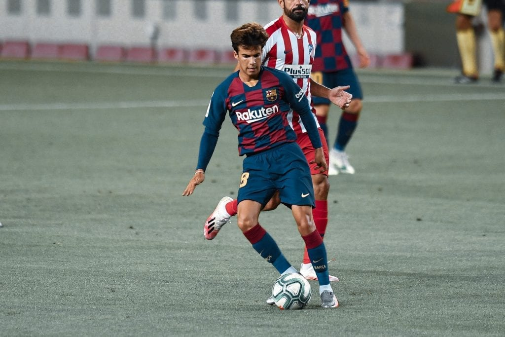 Riqui Puig Barcelona Atlético de Madrid takes