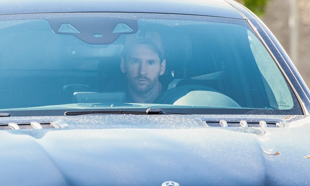 Lionel Messi arrives at the training center to prepare for ...