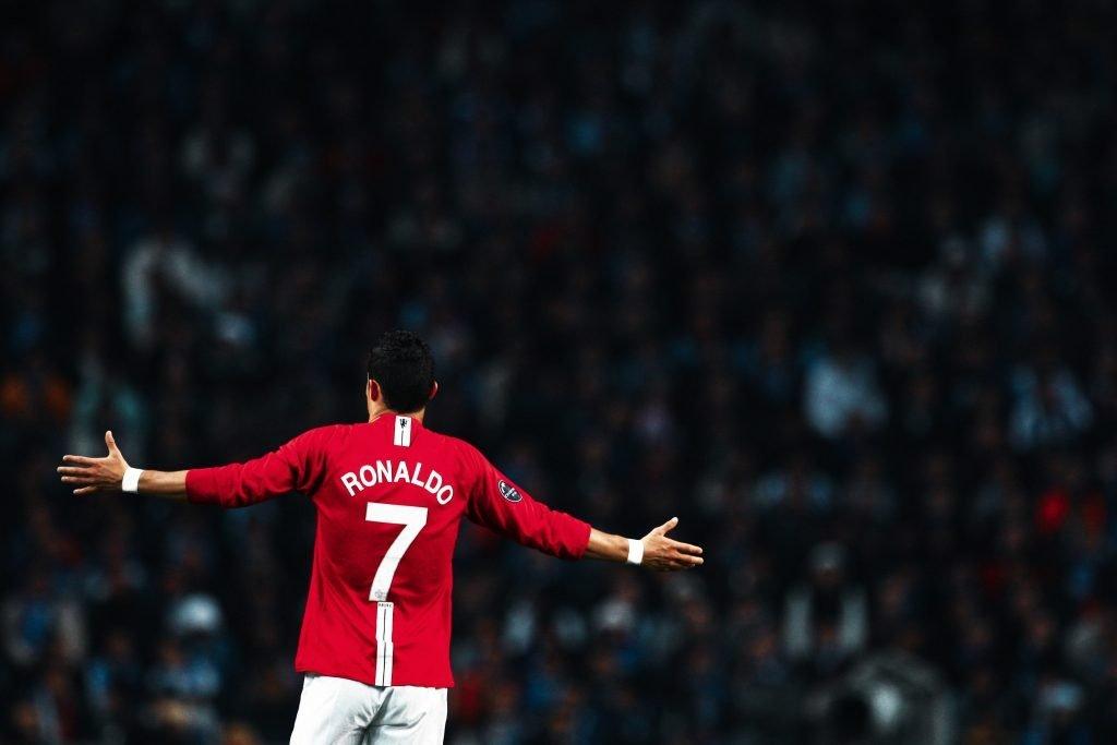 Cristiano Ronaldo Manchester United Barcelona retire number 10 Lionel Messi