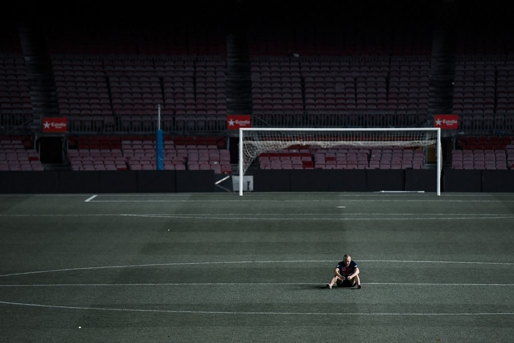 iniesta Camp Nou alone