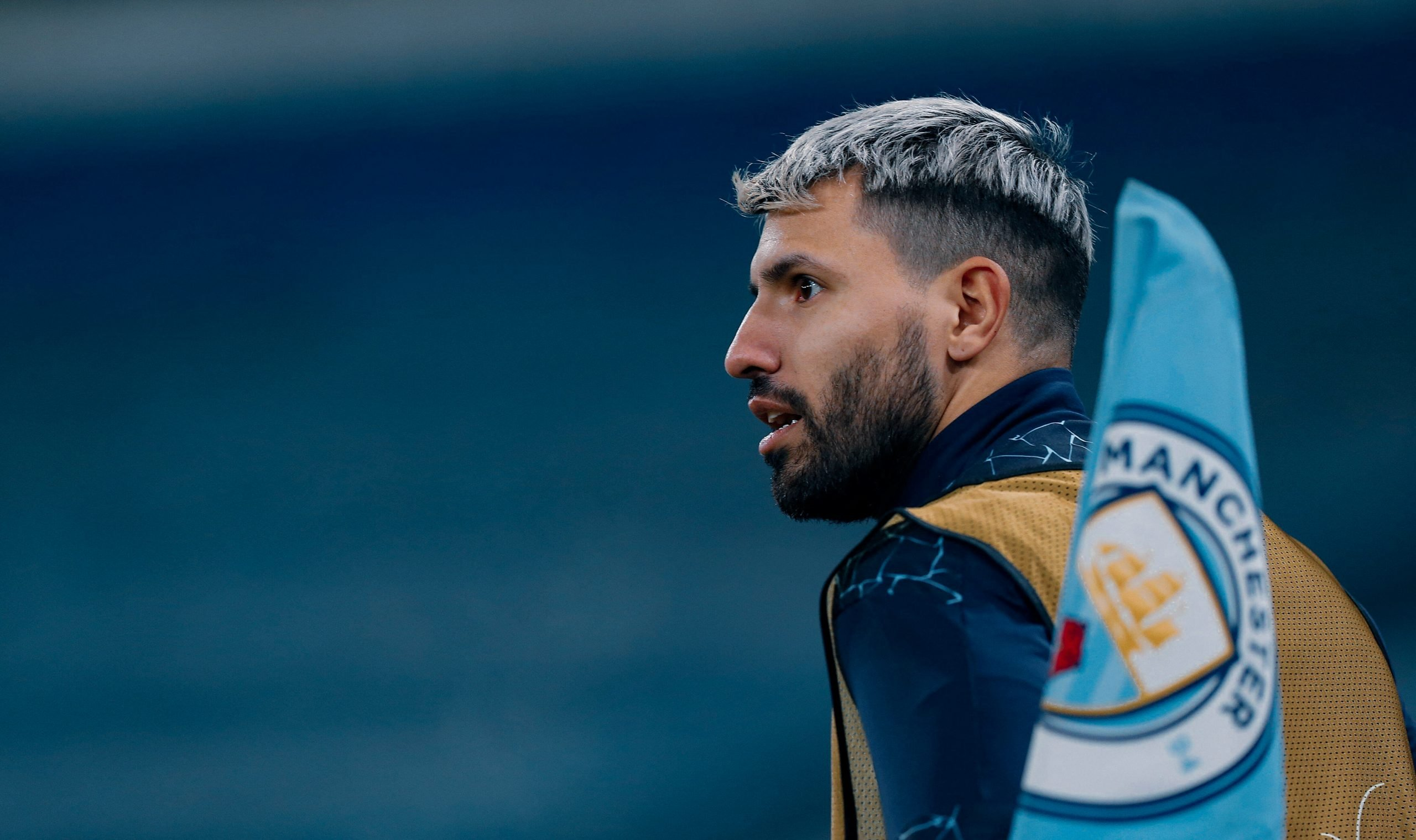 Reviewing the pros and cons of bringing Aguero to Barcelona