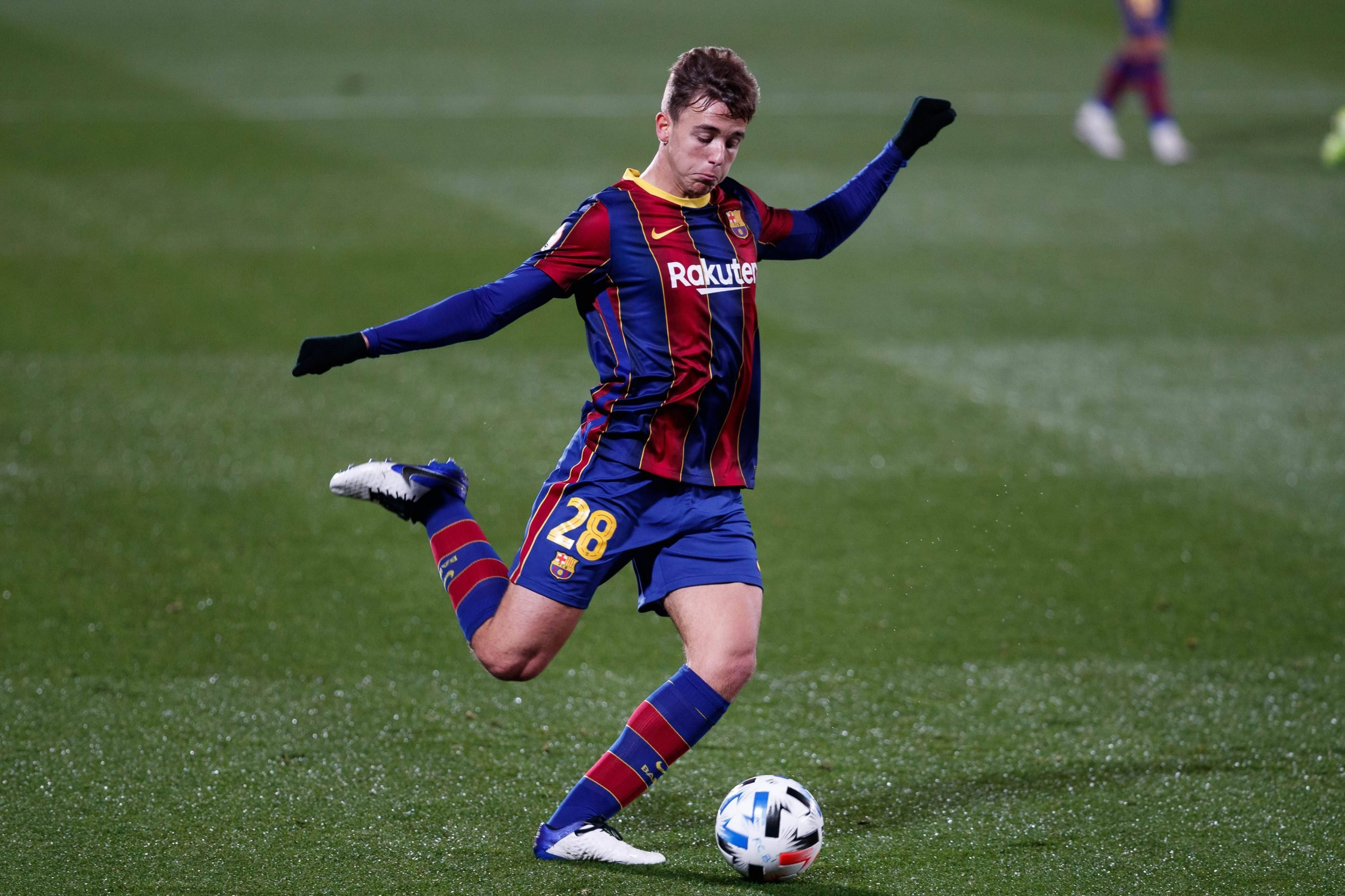 Official: Promising Barcelona B midfielder Nico Gonzalez renews his  contract with the club