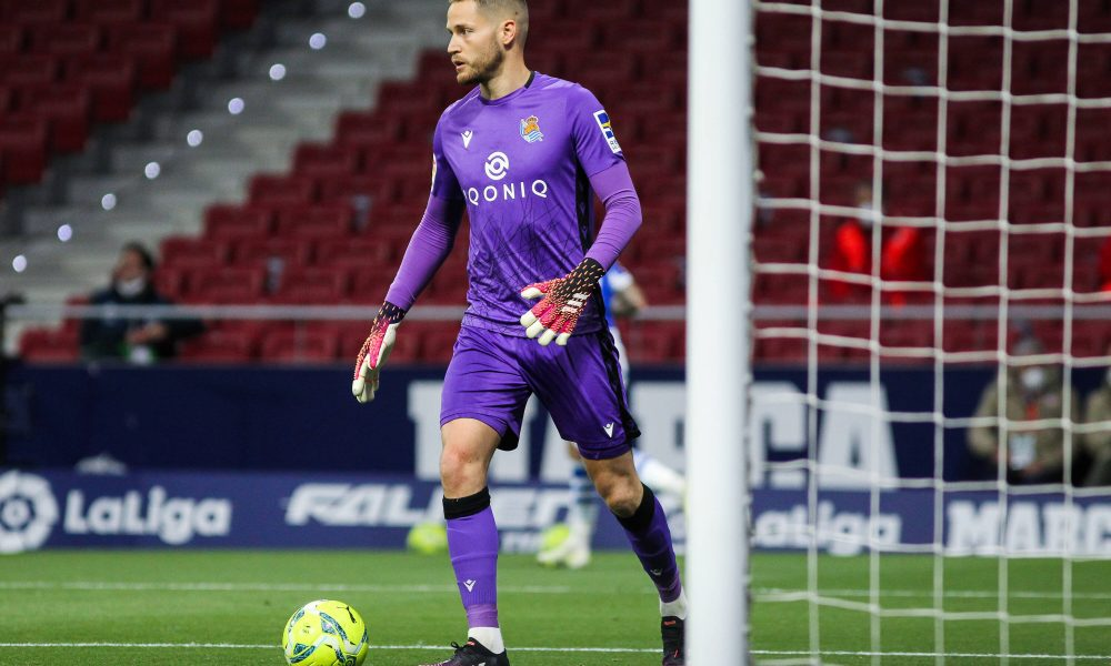 Report: Barcelona attentive to Real Sociedad keeper for next season