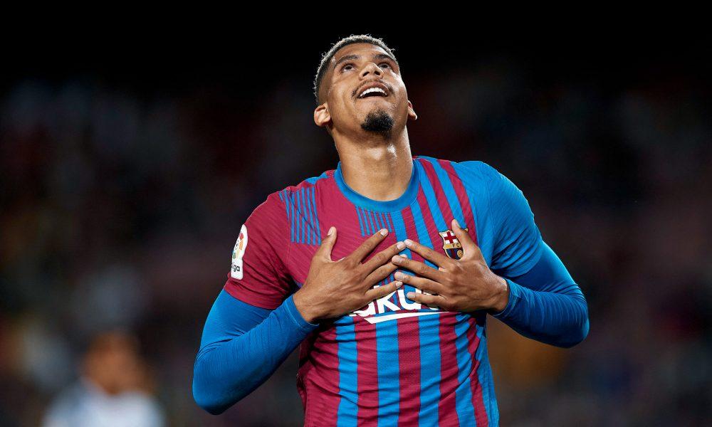 Barcelona 1-1 Granada: Match Review | Araujo 10/10 performance, Koeman in danger